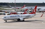 TC-JGV Turkish Airlines Boeing 737-8F2(WL)  zum Gate in Tegel am 04.05.2016
