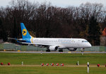 Ukraine International ERJ-190-100STD UR-EMD kurz vor dem Start in Berlin-Tegel am 29.11.2015
