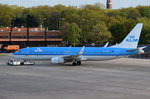PH-BXC KLM Royal Dutch Airlines Boeing 737-8K2(WL)  beim Gate in Tegel am 04.05.2016