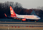 Air Berlin B 737-7K5 D-AHXF kurz vor dem Start in Berlin-Tegel am 09.01.2016