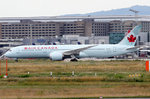 Air Canada C-FNOH rollt zum Start in Frankfurt 8.7.2016