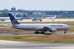 N775UA United Airlines Boeing 777-222  in Frankfurt beim Start am 01.08.2016