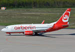 B 737-700 Air Berlin, D-AHXE, taxy in CGN - 10.07.2016