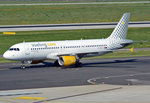 A 320-214 Vueling Airlines, EC-MAX, taxy in DUS - 01.10.2015