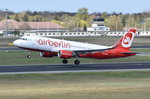 D-ABNM Air Berlin Airbus A320-214(WL)  in Tegel beim Start am 20.04.2016