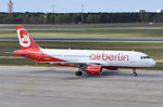 D-ABZE Air Berlin Airbus A320-216  zum Gate am 20.04.2016 in Tegel