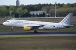 EC-JZI Vueling Airbus A320-214   in Tegel beim Start am 04.05.2016