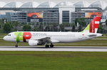 CS-TQD TAP - Air Portugal Airbus A320-214  in München am 17.05.2016 beim Start