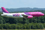 A 320-232 Wizzair, HA-LYU im short final CGN - 10.07.2016