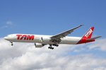 TAM Brasil, PT-MUB, Boeing 777-32WER, 01.Juli 2016, LHR London Heathrow, United Kingdom.